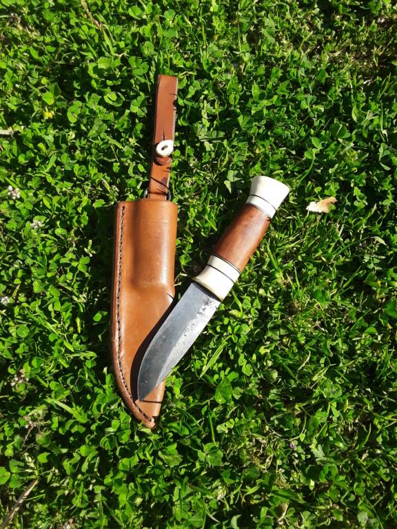 Un par de cuchillos hechos con Iurde 20190419