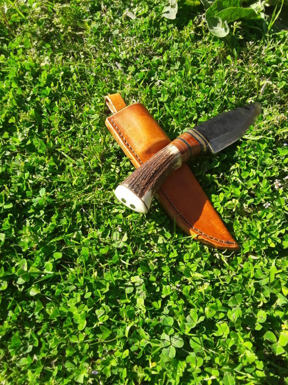 Un par de cuchillos hechos con Iurde 20190422