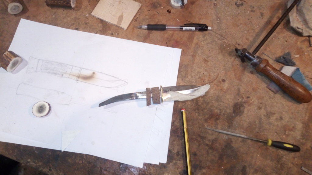 Un par de cuchillos hechos con Iurde Img_2032