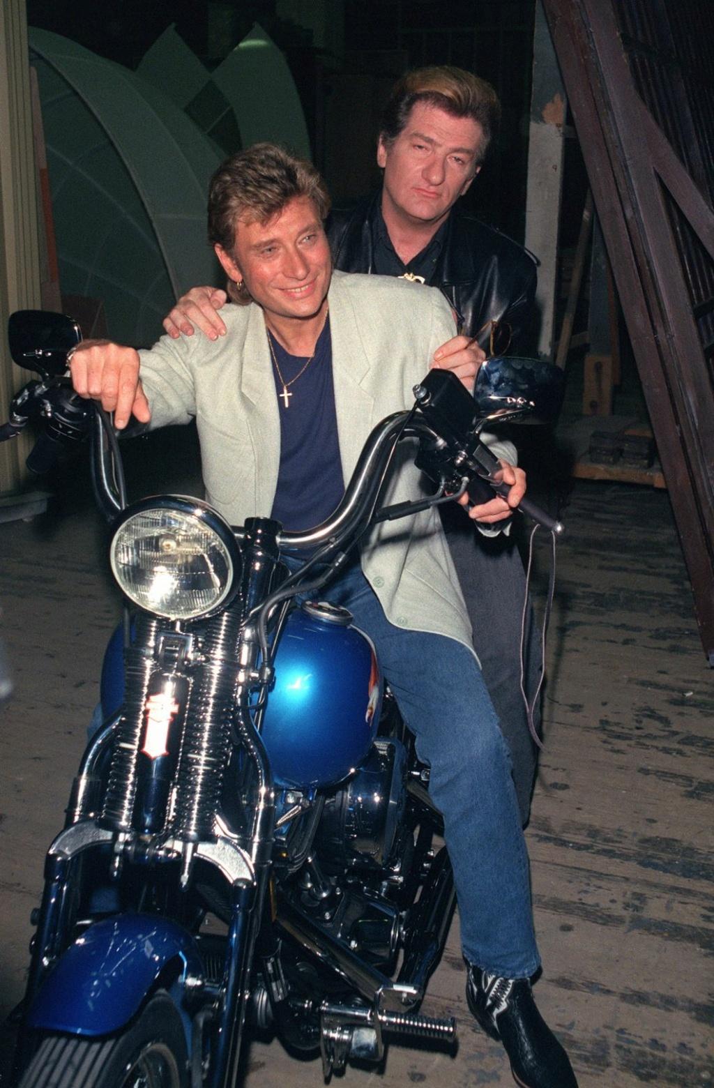 HARLEY-DAVIDSON FXWG WIDE GLIDE 85 DE JOHNNY HALLYDAY ( 1989 ) 000_ap11