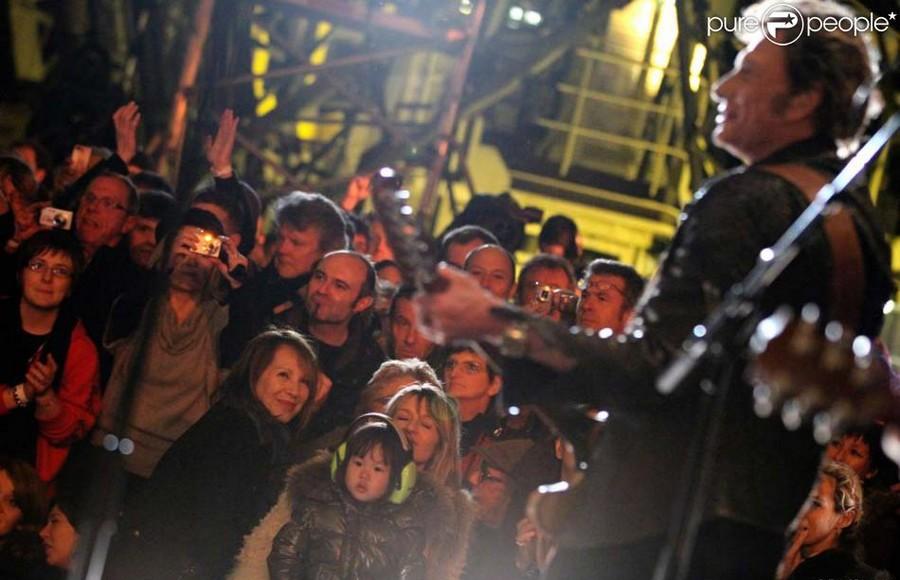 LES CONCERTS DE JOHNNY 'LA TOUR EIFFEL, PARIS 2011' 01110