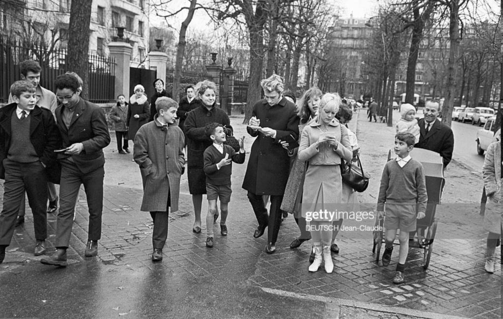 PROPRIETE OU A RESIDE JOHNNY HALLYDAY ( 3/10 ) 'NEUILLY SUR SEINE' ( 1965 ) 0219