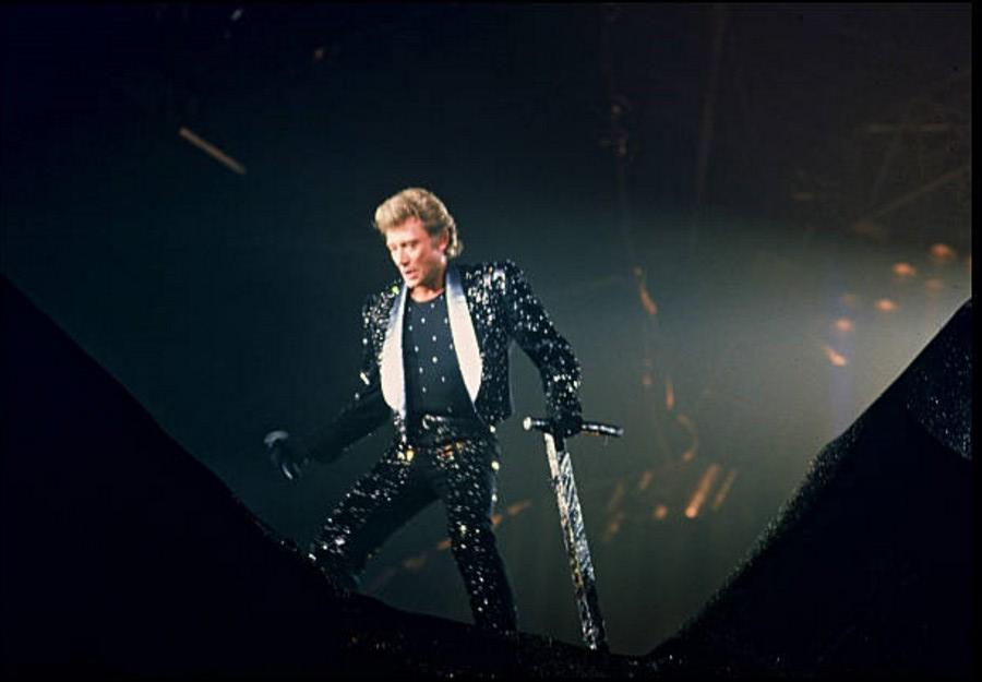 LES CONCERTS DE JOHNNY 'LE ZENITH DE PARIS 1984' 04_nov11