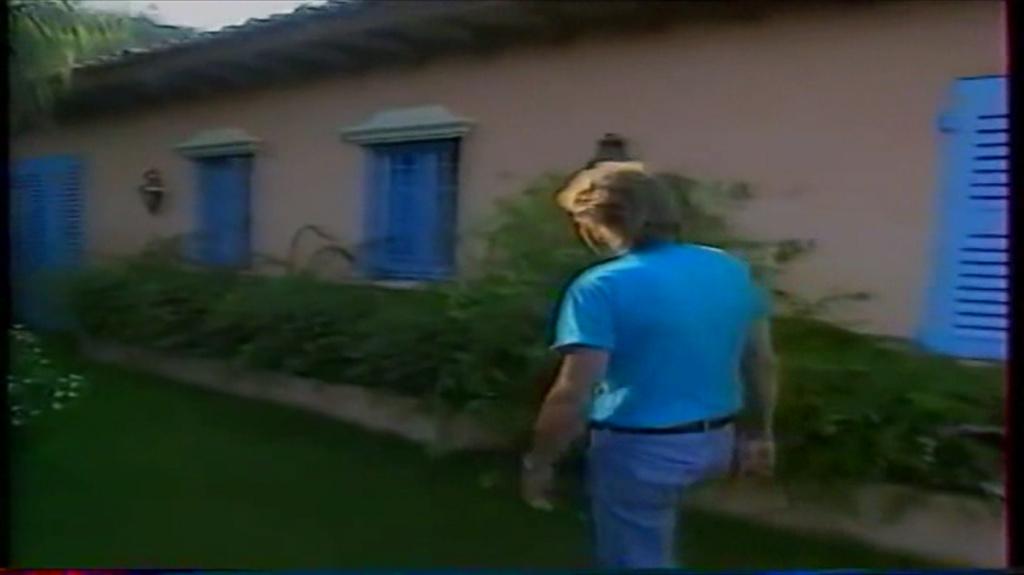 PROPRIETE OU A RESIDE JOHNNY HALLYDAY ( 2/10 ) 'LA LORADA' ( 1990-2000 ) 10310