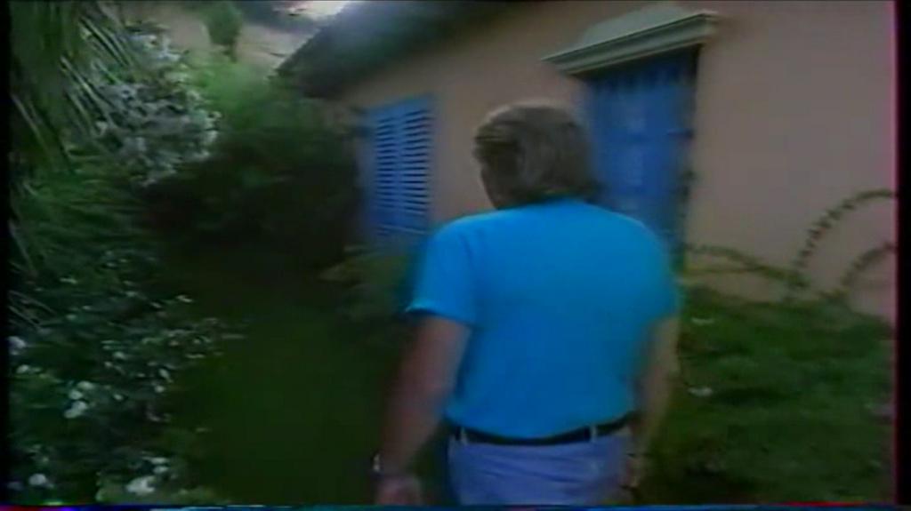 PROPRIETE OU A RESIDE JOHNNY HALLYDAY ( 2/10 ) 'LA LORADA' ( 1990-2000 ) 10410