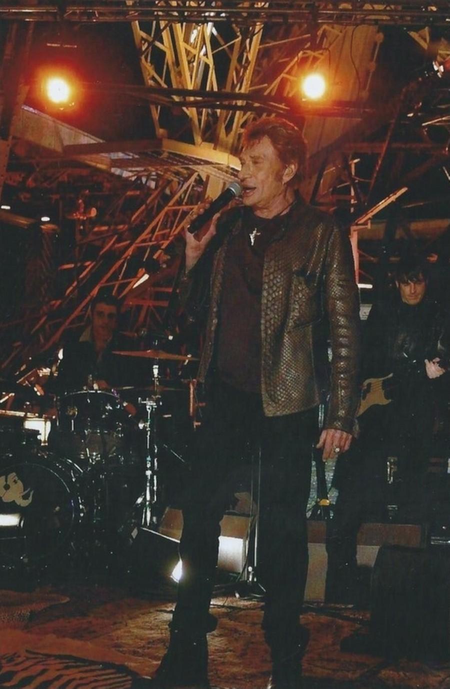 LES CONCERTS DE JOHNNY 'LA TOUR EIFFEL, PARIS 2011' 11-g0111