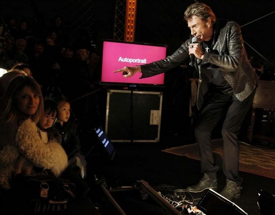 LES CONCERTS DE JOHNNY 'LA TOUR EIFFEL, PARIS 2011' 11-g0117