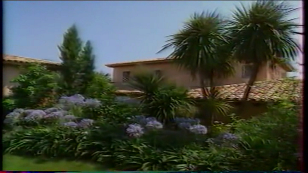 PROPRIETE OU A RESIDE JOHNNY HALLYDAY ( 2/10 ) 'LA LORADA' ( 1990-2000 ) 11210