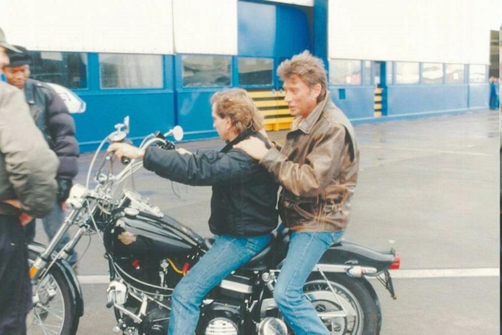 HARLEY-DAVIDSON FXWG WIDE GLIDE 85 DE JOHNNY HALLYDAY ( 1989 ) 11670512