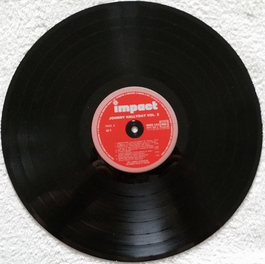 33 TOURS IMPACT ( Toute les éditions )( 1979-1985 ) 1982_019