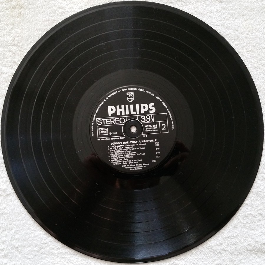 JOHNNY HALLYDAY A NASHVILLE ( 33 TOURS )( TOUTES LES EDITIONS )( 1968 - 1982 ) 1982_j33