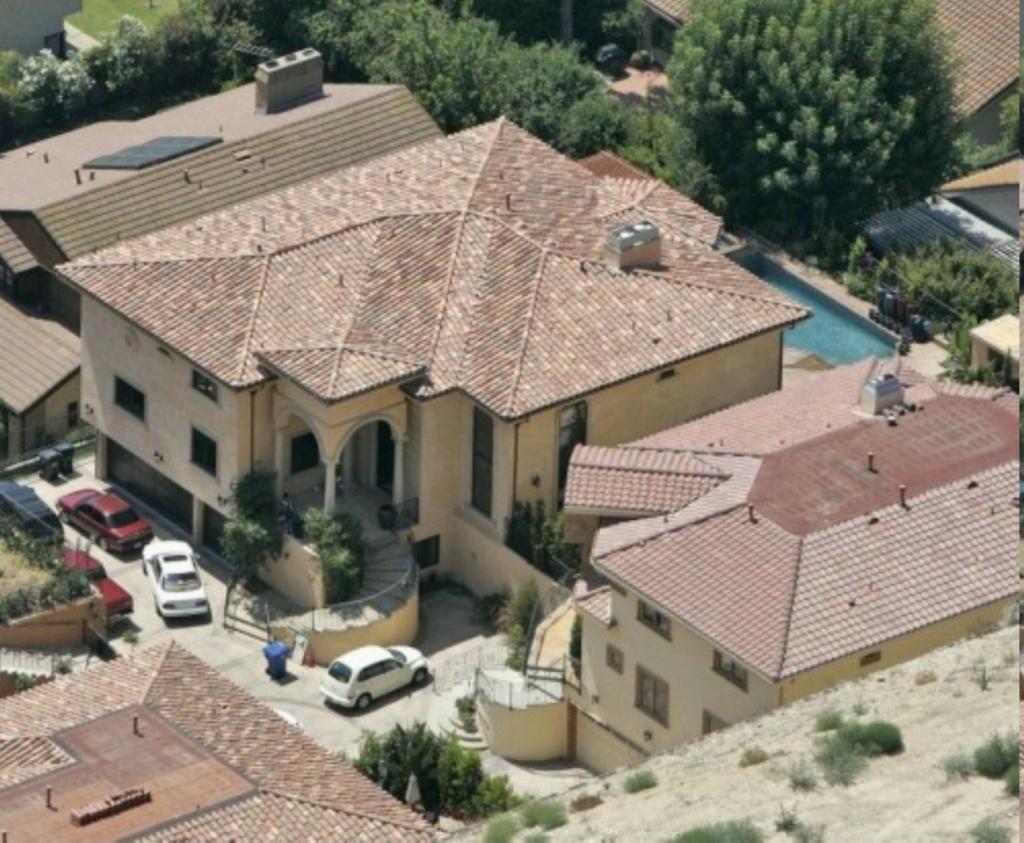 PROPRIETE OU A RESIDE JOHNNY HALLYDAY ( 7/10 ) 'BEVERLY GLEN, LOS ANGELES'( 2007 1vps8r10