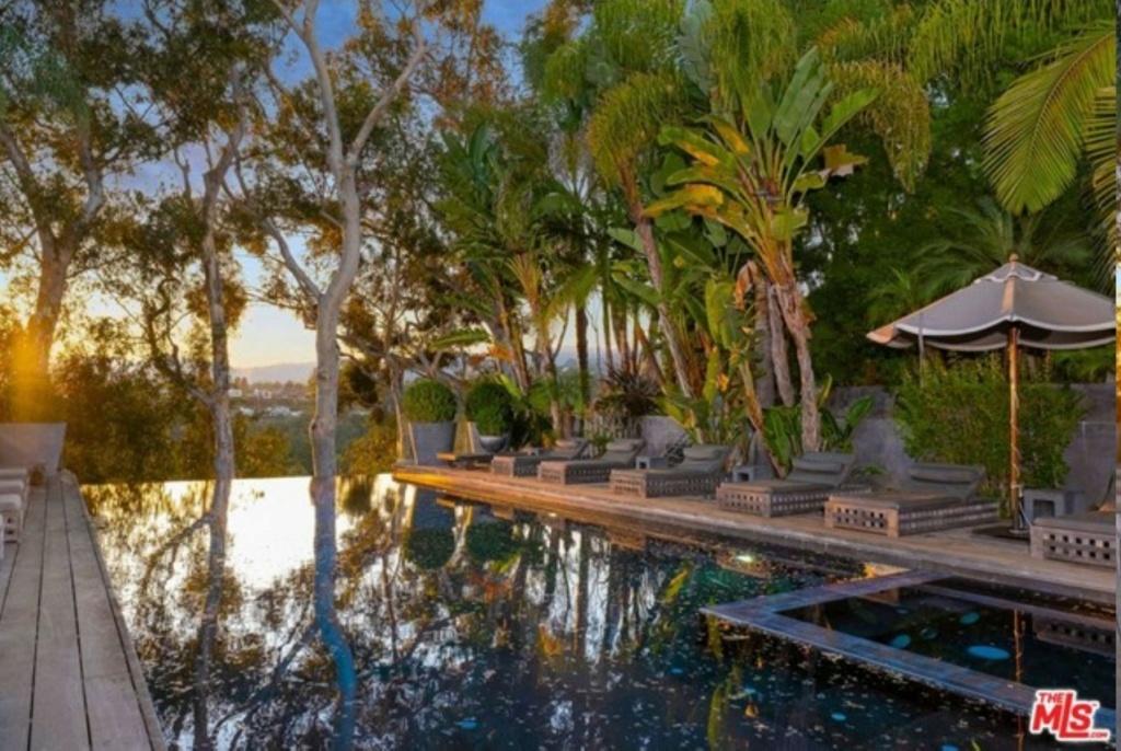 PROPRIETE OU A RESIDE JOHNNY HALLYDAY ( 4/10 ) 'LOS ANGELES' ( 2010-2021 ) 20629144