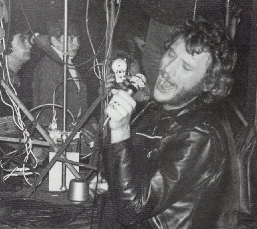 photos ou articles du concert de Johnny a Bruay en Artois le 16 mars 1970 21050410