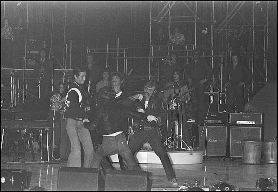 LES CONCERTS DE JOHNNY 'PALAIS DES SPORTS DE PARIS 1976' 29_sep17