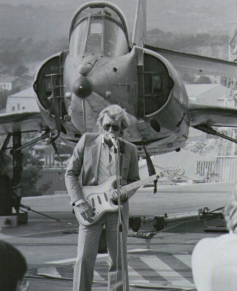 LES CONCERTS DE JOHNNY 'PORTE-AVIONS ''FOCH'', TOULON 1979' 32767310