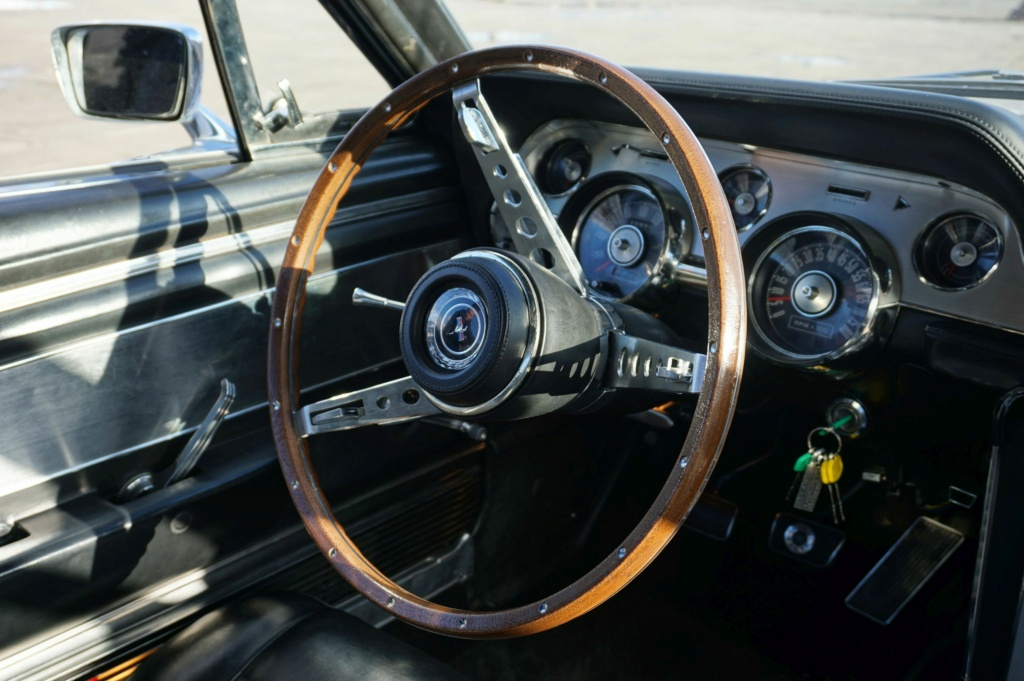 FORD MUSTANG GT 390 COUPE DE JOHNNY HALLYDAY ( 1967 ) 3980_144