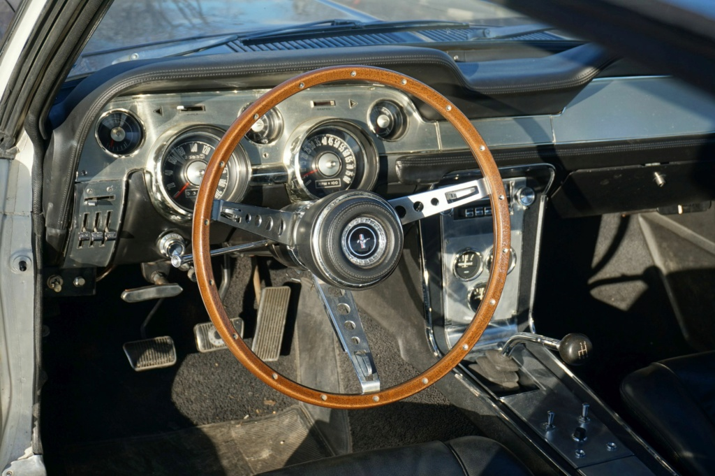 FORD MUSTANG GT 390 COUPE DE JOHNNY HALLYDAY ( 1967 ) 3980_145