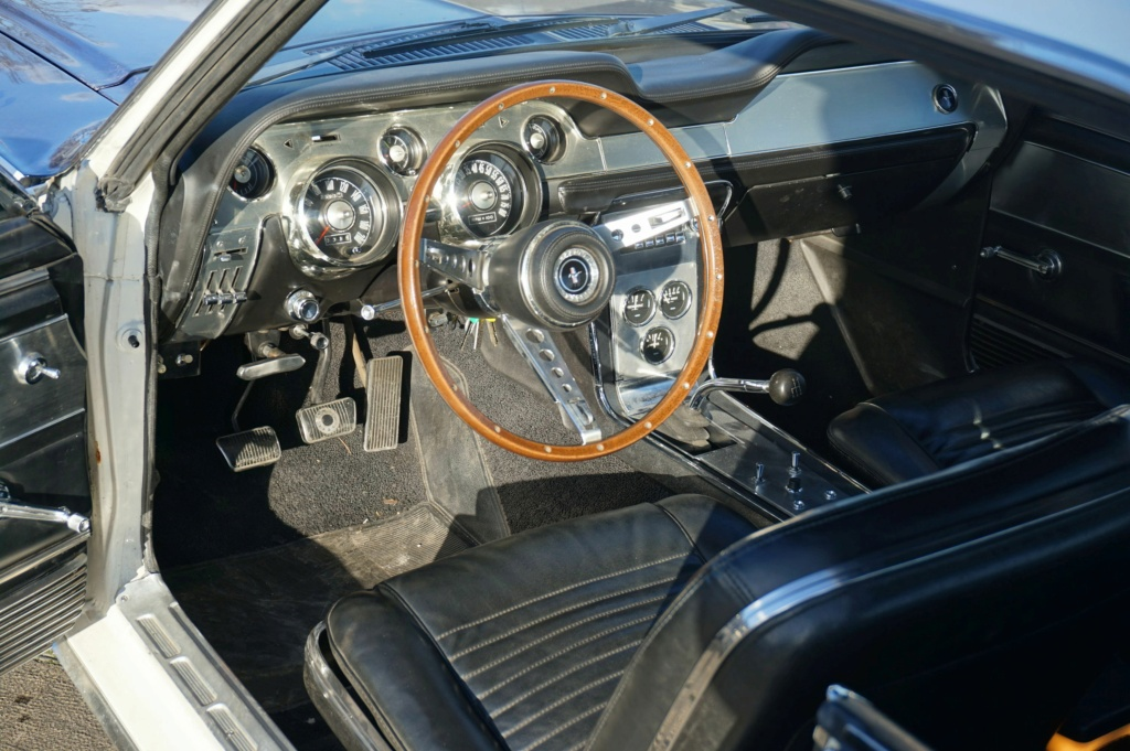 FORD MUSTANG GT 390 COUPE DE JOHNNY HALLYDAY ( 1967 ) 3980_146