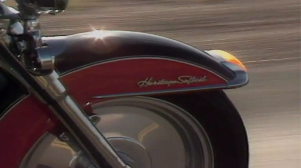 HARLEY-DAVIDSON HERITAGE SOFTAIL 1340 DE JOHNNY HALLYDAY ( 1989 ) 4910