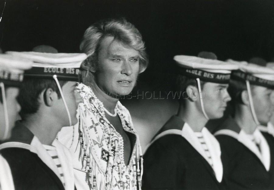 LES CONCERTS DE JOHNNY 'PORTE-AVIONS ''FOCH'', TOULON 1979' 56832511