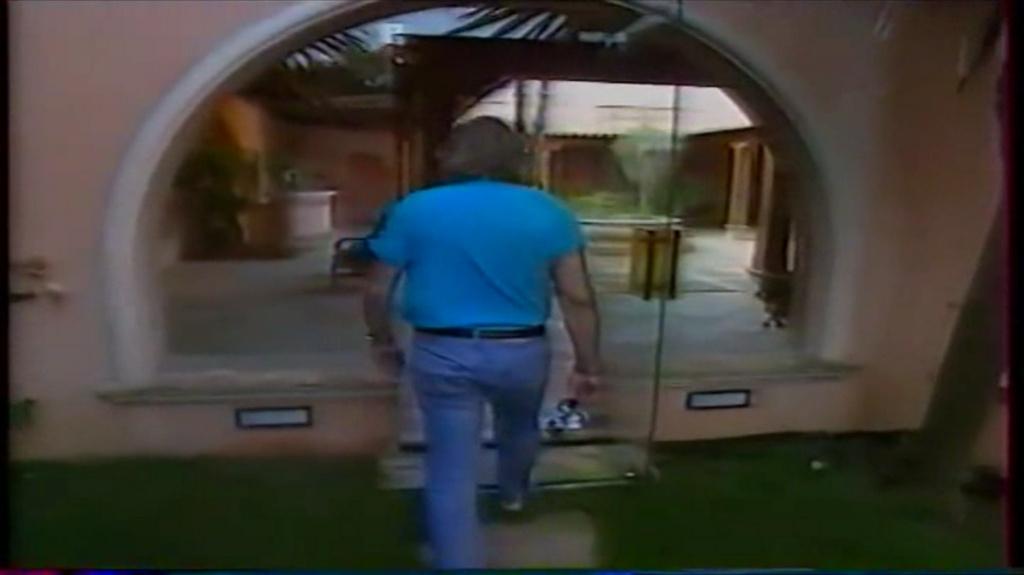 PROPRIETE OU A RESIDE JOHNNY HALLYDAY ( 2/10 ) 'LA LORADA' ( 1990-2000 ) 5810
