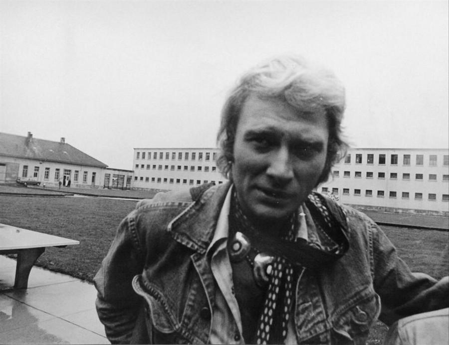 LES CONCERTS DE JOHNNY 'PRISON DE BOCHUZ, SUISSE 1974' 6y9dh910