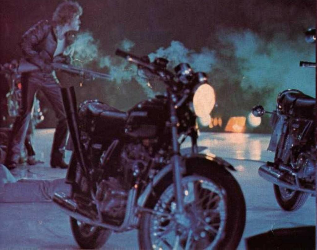 KAWASAKI Z 400 DE JOHNNY HALLYDAY ( 1975 ) 76-g0810