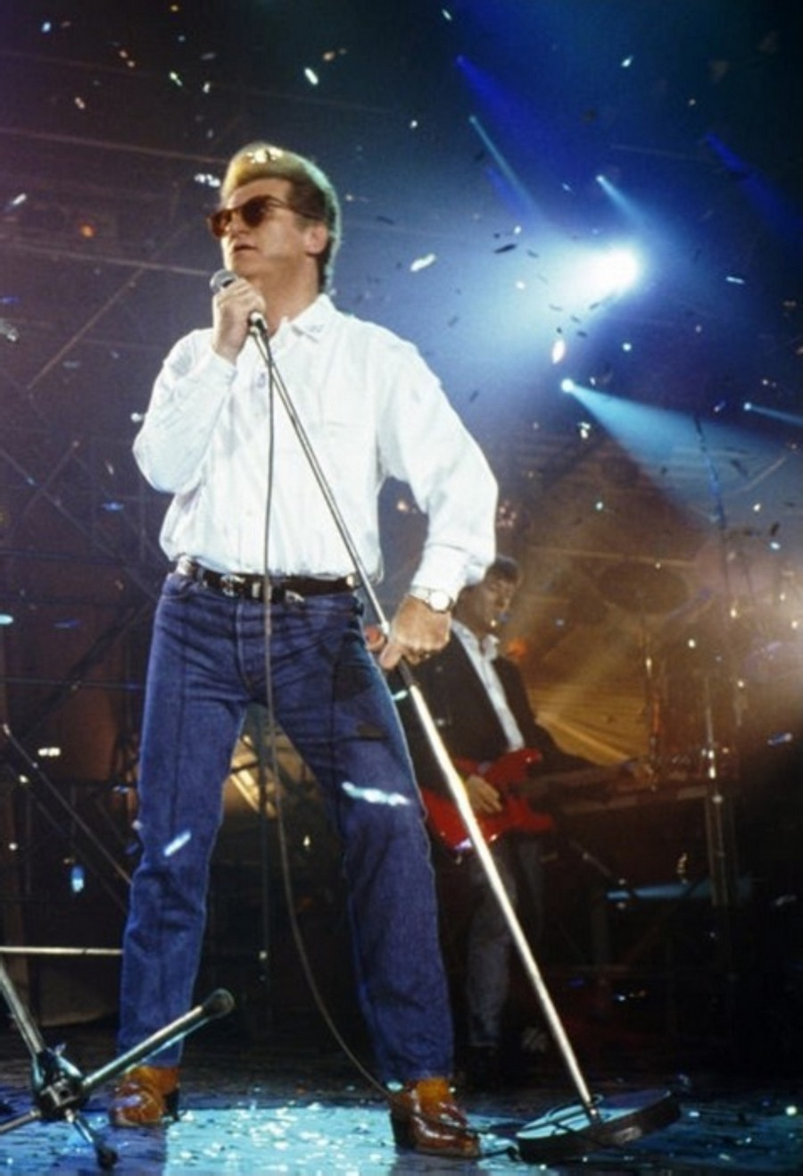 LES CONCERTS DE JOHNNY 'GENERATION ROCK N ROLL, PALAIS DES SPORTS 1989' 89-g0117