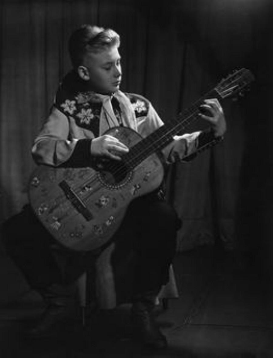 JOHNNY 'SES JEUNES ANNEES 1943-1959' Akg27511