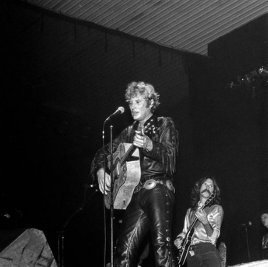 LES CONCERTS DE JOHNNY 'HIPPODROME DE PANTIN 1981' Akg77738