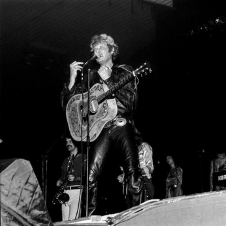 LES CONCERTS DE JOHNNY 'HIPPODROME DE PANTIN 1981' Akg77740