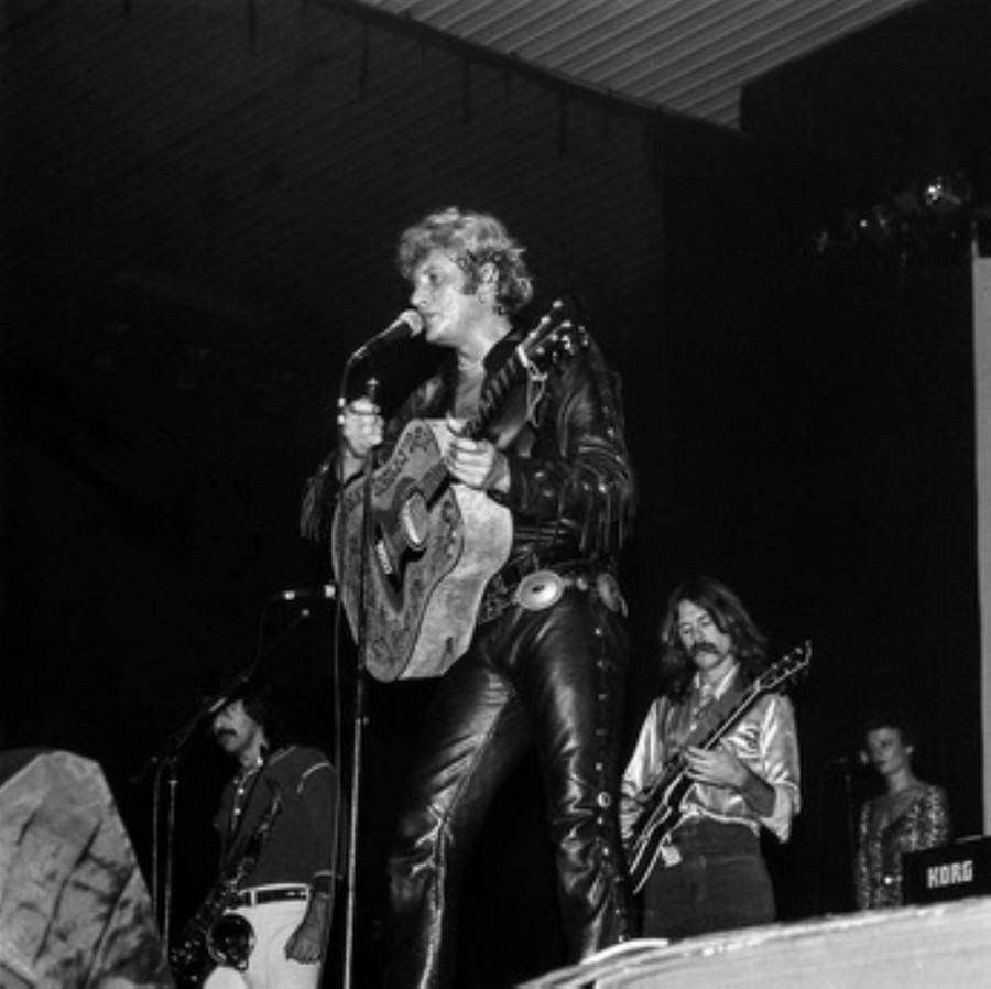 LES CONCERTS DE JOHNNY 'HIPPODROME DE PANTIN 1981' Akg77741