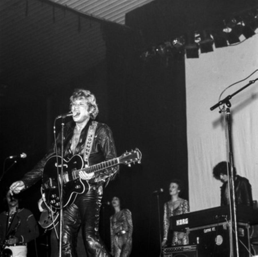 LES CONCERTS DE JOHNNY 'HIPPODROME DE PANTIN 1981' Akg77745