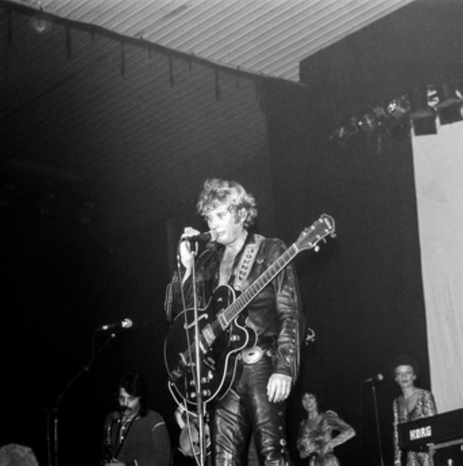 LES CONCERTS DE JOHNNY 'HIPPODROME DE PANTIN 1981' Akg77747