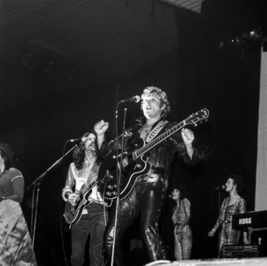 LES CONCERTS DE JOHNNY 'HIPPODROME DE PANTIN 1981' Akg77748