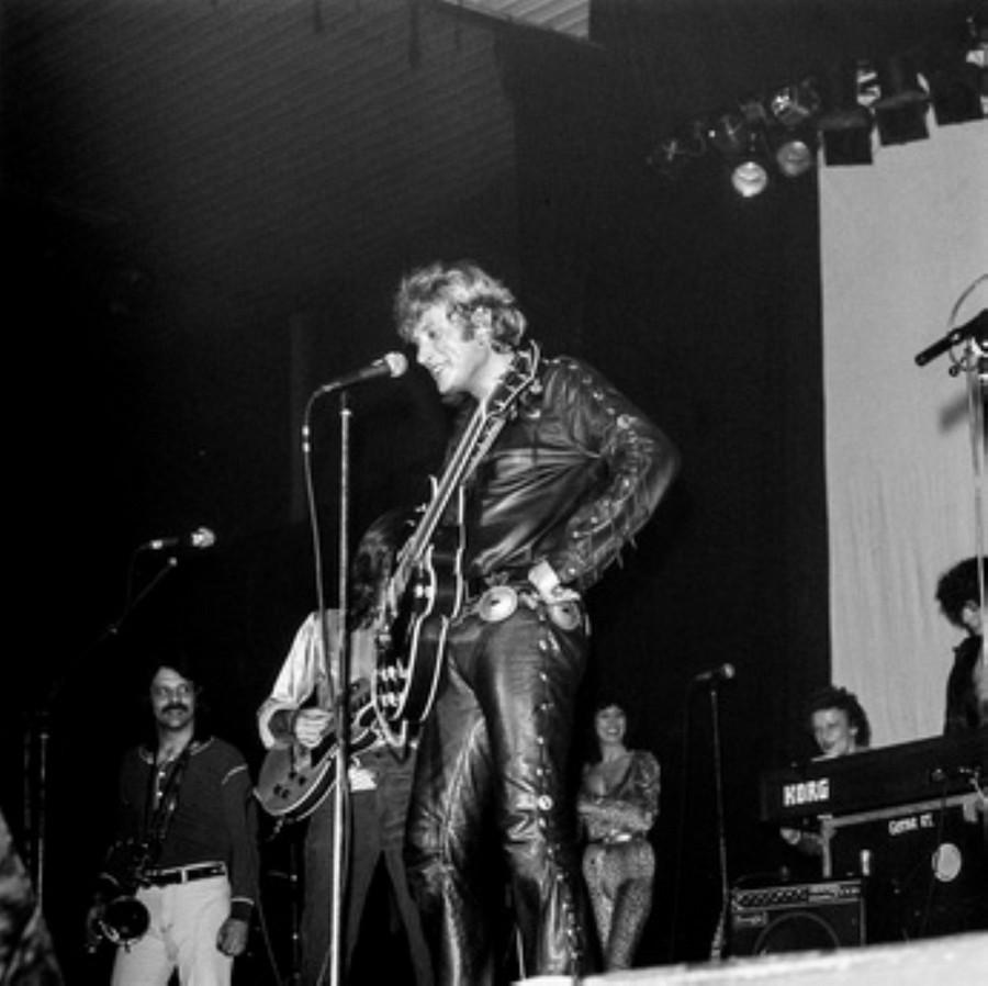 LES CONCERTS DE JOHNNY 'HIPPODROME DE PANTIN 1981' Akg77749