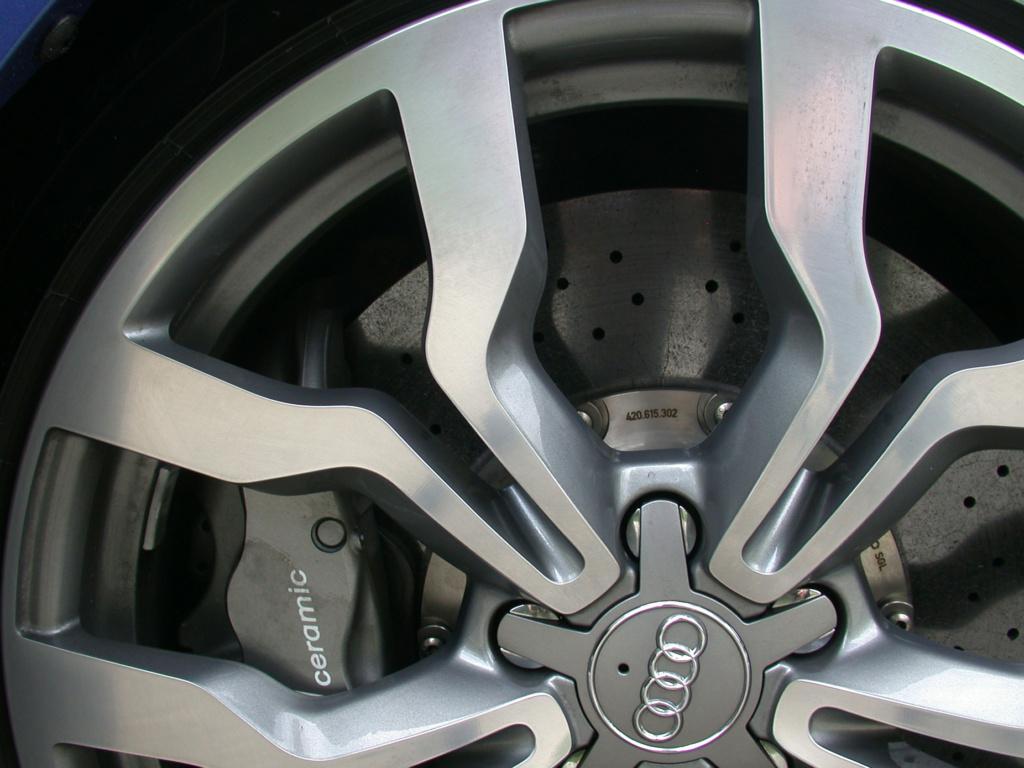 AUDI R8 DE JOHNNY HALLYDAY ( 2009 ) Audi-r14