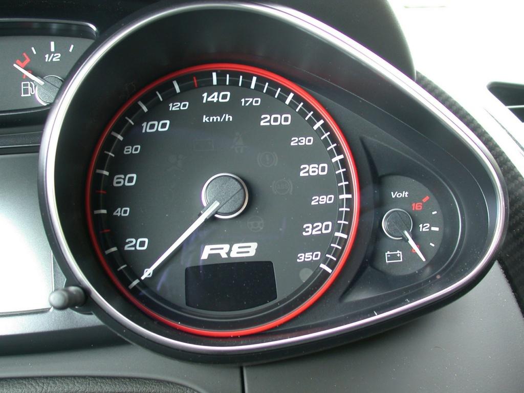 AUDI R8 DE JOHNNY HALLYDAY ( 2009 ) Audi-r17