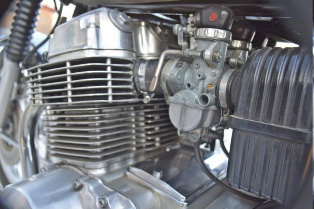 HONDA CB 750 K1 DE JOHNNY HALLYDAY ( 1970 ) Becc3e10
