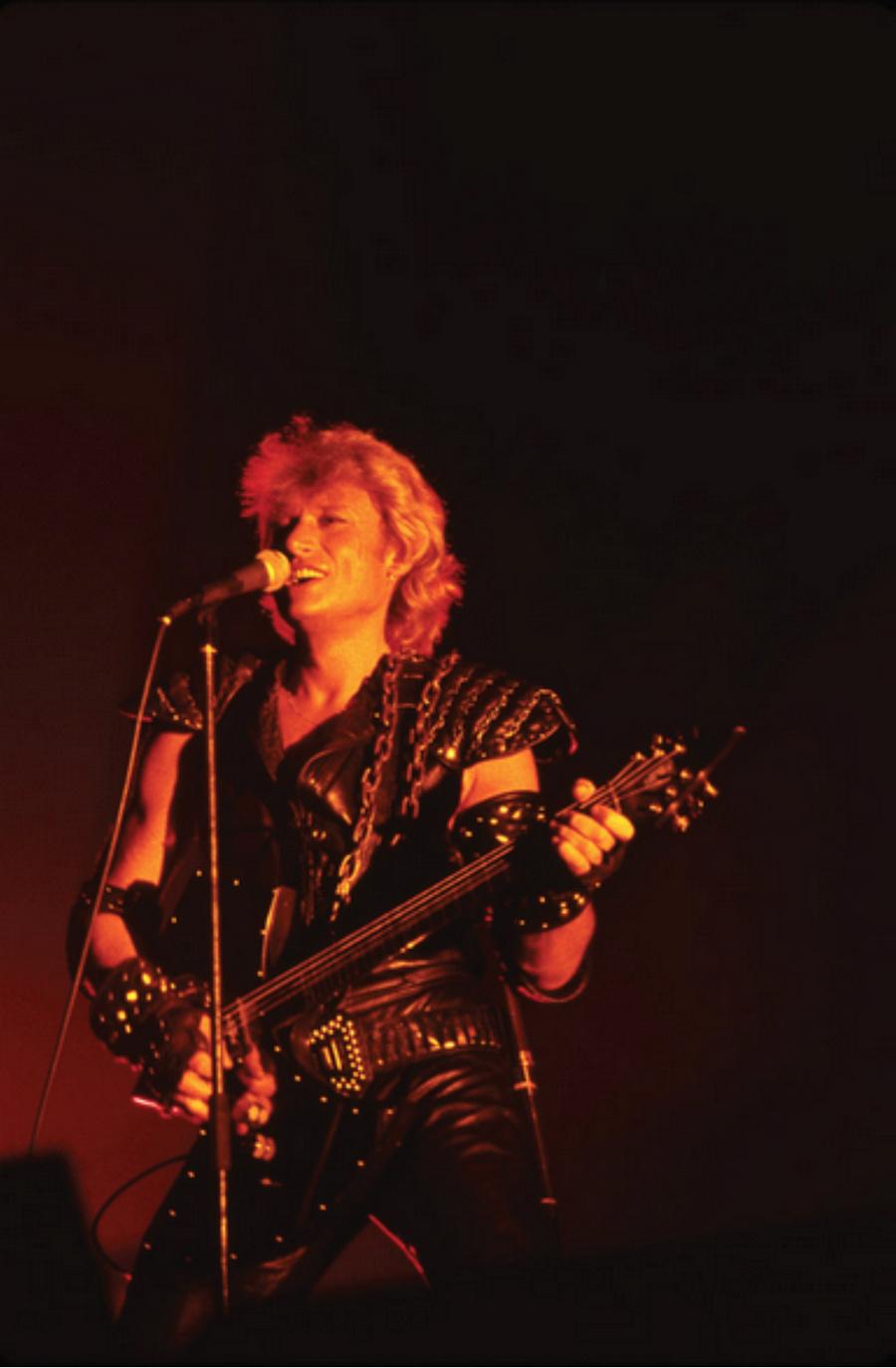 LES CONCERTS DE JOHNNY 'PALAIS DES SPORTS DE PARIS 1982' Captu175