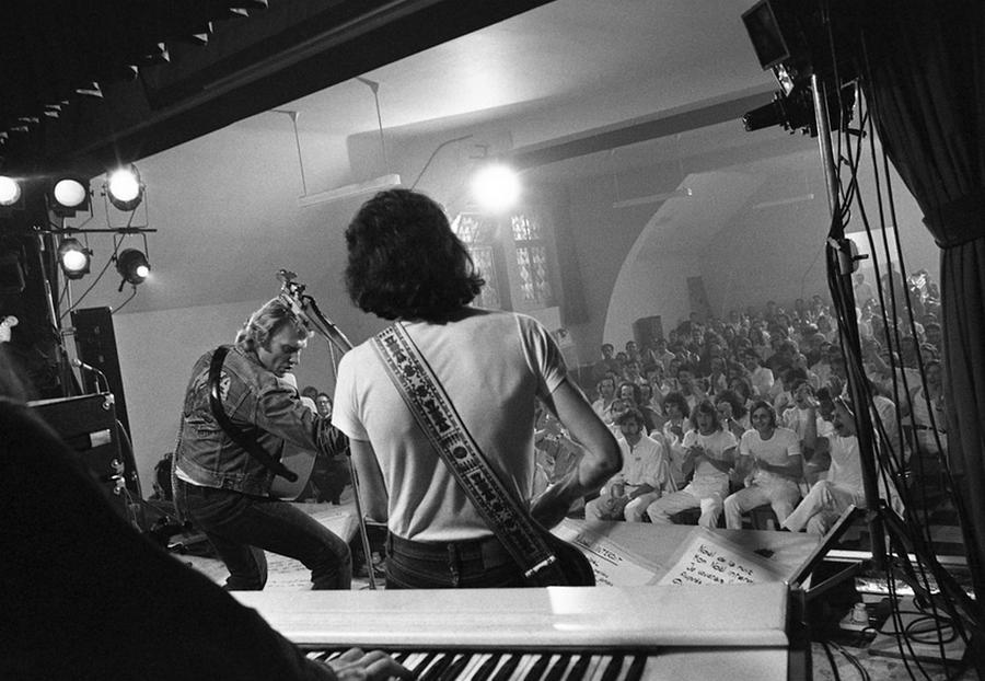 LES CONCERTS DE JOHNNY 'PRISON DE BOCHUZ, SUISSE 1974' Captu264
