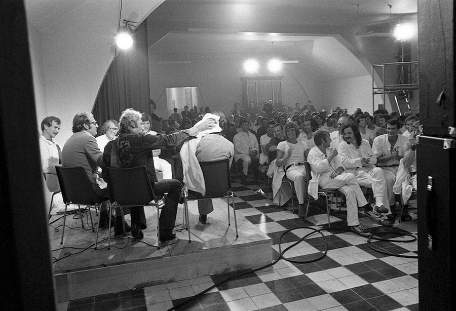 LES CONCERTS DE JOHNNY 'PRISON DE BOCHUZ, SUISSE 1974' Captu268