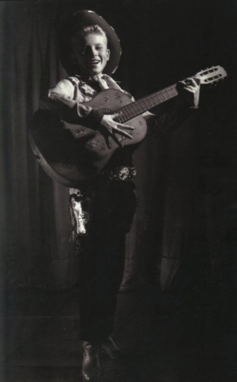 JOHNNY 'SES JEUNES ANNEES 1943-1959' Captu446