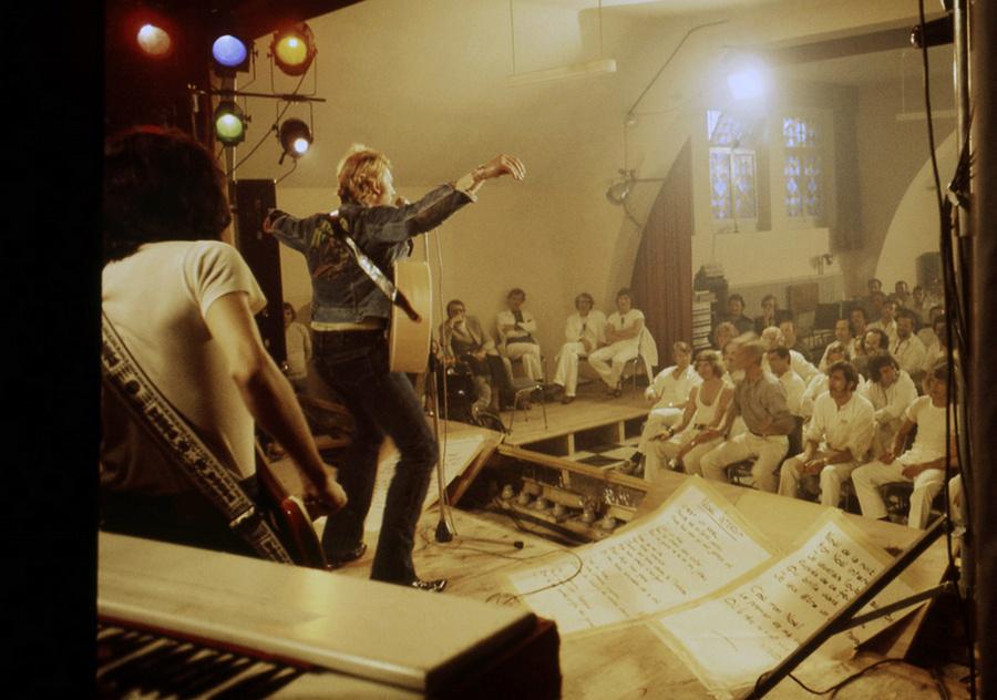 LES CONCERTS DE JOHNNY 'PRISON DE BOCHUZ, SUISSE 1974' Captur92