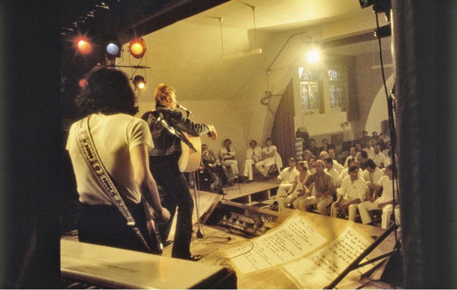 LES CONCERTS DE JOHNNY 'PRISON DE BOCHUZ, SUISSE 1974' Captur93
