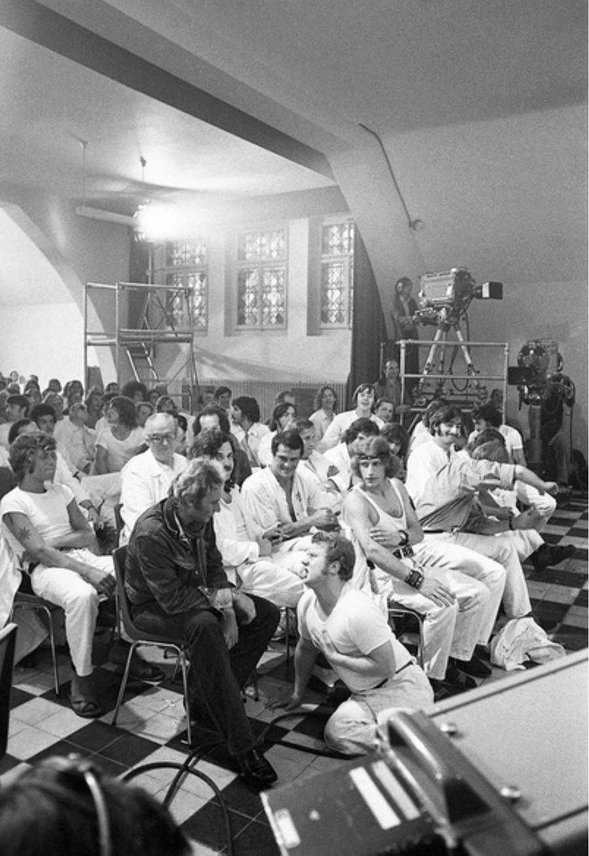 LES CONCERTS DE JOHNNY 'PRISON DE BOCHUZ, SUISSE 1974' Captur98