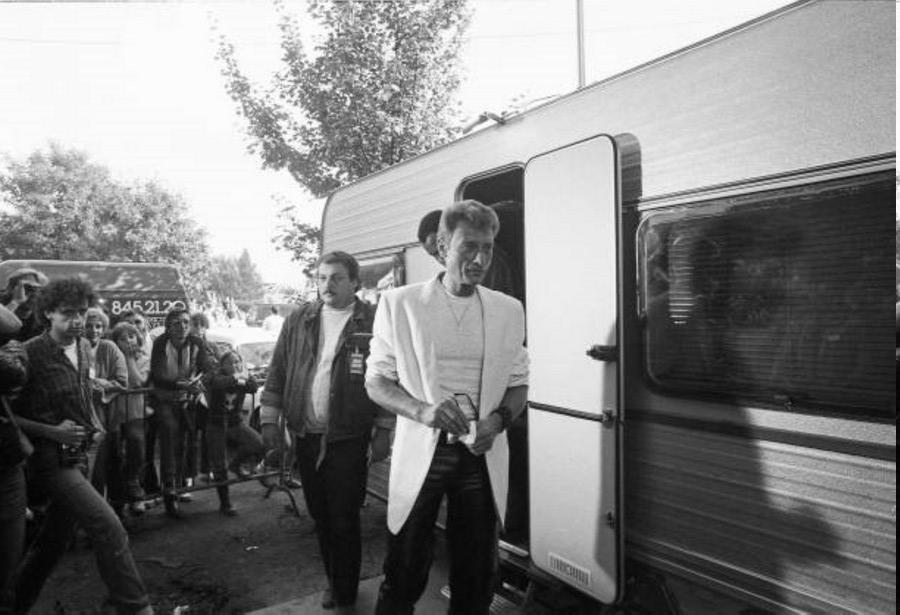 LES CONCERTS DE JOHNNY 'FETE DE L'HUMANITE, LA COURNEUVE 1985' Fzote_11
