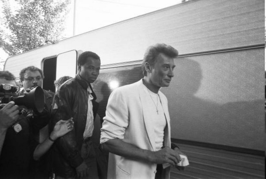 LES CONCERTS DE JOHNNY 'FETE DE L'HUMANITE, LA COURNEUVE 1985' Fzote_12