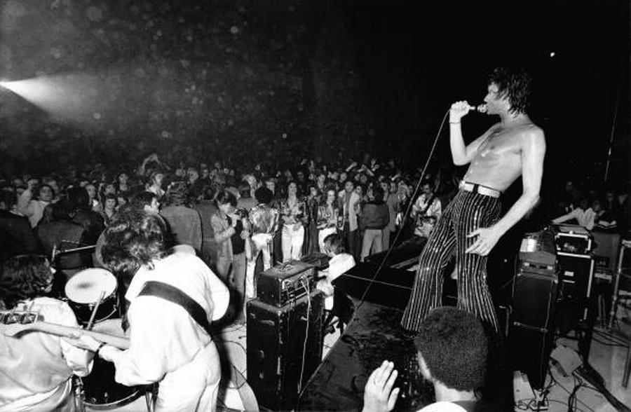 LES CONCERTS DE JOHNNY 'PALAIS DES SPORTS DE PARIS 1976' Getty132
